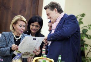 Calendario Leonessa - Oscar con la dirigente Carmela Libertino